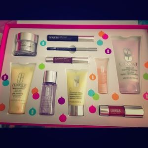 Clinique gift set, lotion, smart cream, mascara